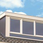 Beige dakkapel buitenkant kunststof